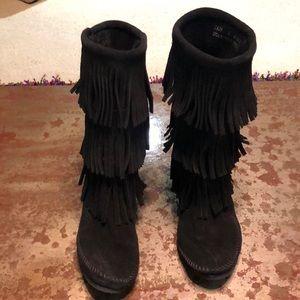 Black Minnetonka 3 layer fringe boots